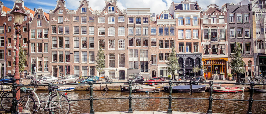amsterdam-canal-holland-netherlands-bike-boat-tour-flandresnietoporras